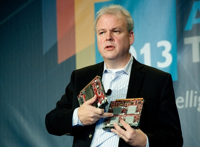 HP Labs CTO Martin Fink shows off two partners' Project Moonshot processor cards